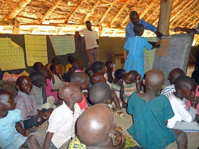 Uganda schoolkids - Charles Akina: IRIN